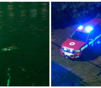 Łódka z wędkarzami wywróciła się pod mostem we Włocławku [zdjęcia]