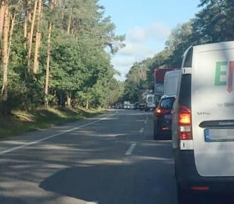 Wypadek na DK 80 pod Bydgoszczą. Kierowcy stali w sporym korku