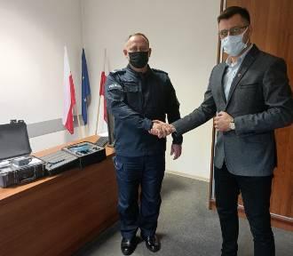 Komenda w Aleksandrowie Kujawskim dostała prezent od wójta gminy Waganiec