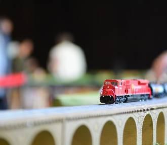 Niesamowite modele pociągów w Domu Kultury Idalin w Radomiu