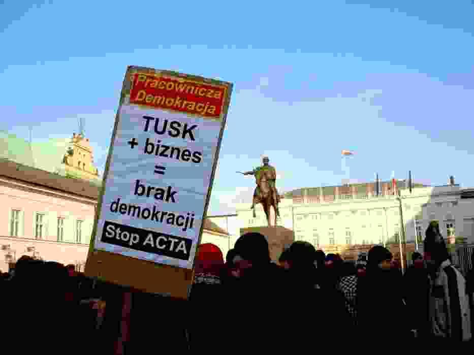 Pikieta, tak jak ostatnio, odbyła się pod Pałacem Prezydenckim na Krakowskim Przedmieściu