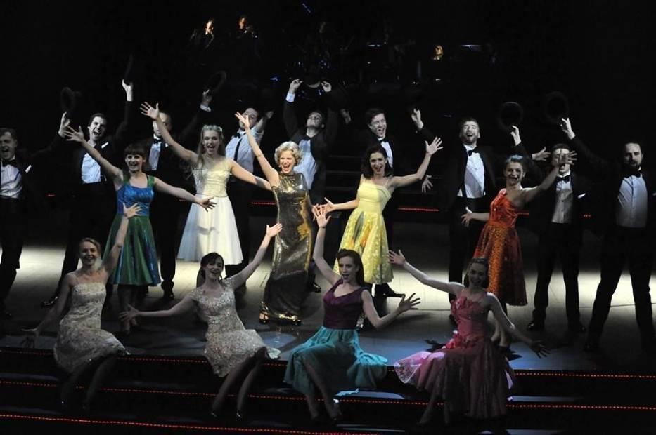 Scena ze spektaklu Doris Day - sentymentalna podróż