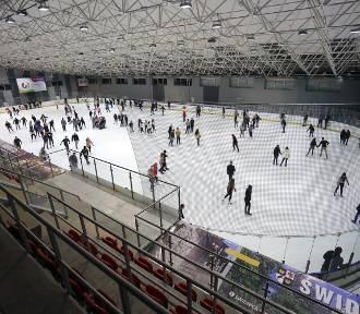 Świdnica: lodowisko w tym sezonie dłużej! Jeszcze kilka dni dla fanów jazdy na łyżwach!