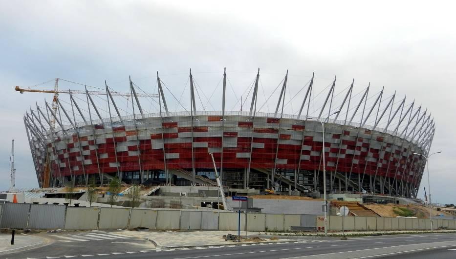 Warszawa - Stadion NarodowyRok otwarcia: 2012Pojemność: 58 145Klub: brak (obiekt narodowy)Mecze Euro 2012:Polska - Grecja (mecz otwarcia)Polska - RosjaGrecja - RosjaĆwierćfinałPółfinałGrupy Euro 2012
