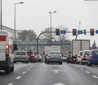 Koronawirus sporo namieszał na krakowskich drogach