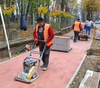 Do końca listopada będzie nowy chodnik [FOTO]