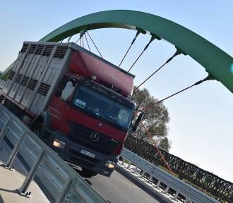 Warta: most na rzece Warcie otwarty dla ruchu pojazdów (zdjęcia)