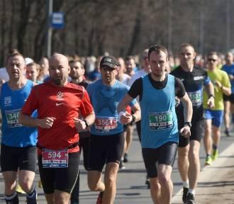 Maniacka Dziesiątka 2018! Ponad 5 tysięcy zawodników przebiegło ulicami Poznania [ZDJĘCIA]