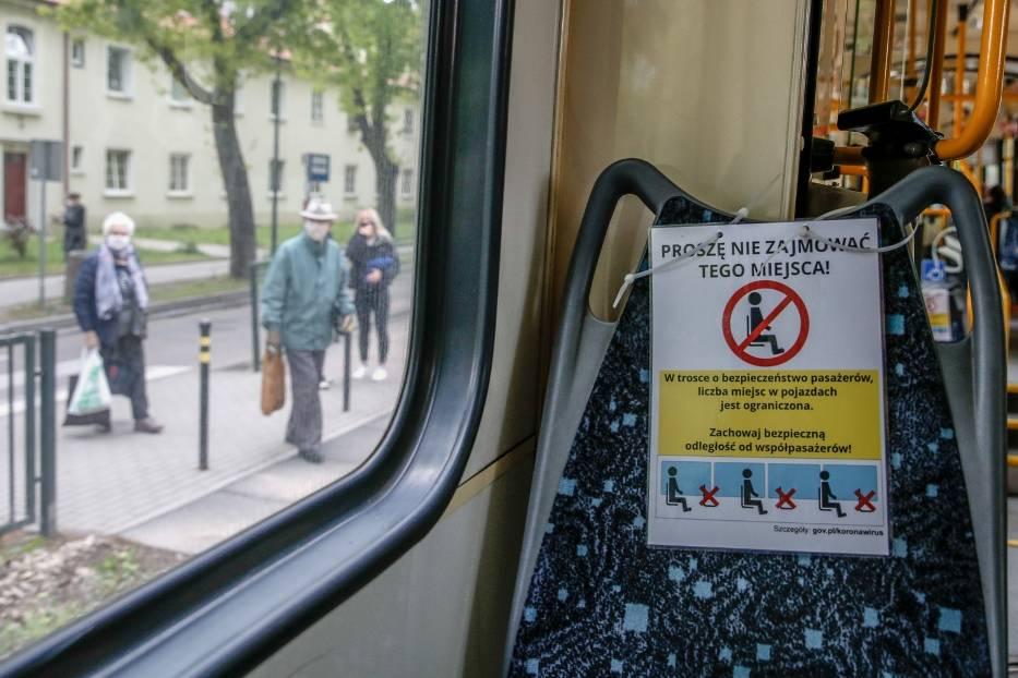 Od poniedziałku, 18 maja więcej pasażerów w autobusach i tramwajach