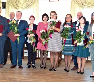 Burmistrz Łęczycy nagrodził najlepszych nauczycieli [ZDJĘCIA]
