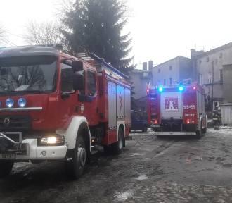 Pożar w jednym z mieszkań w Bierutowie. Interweniowało kilka zastępów!