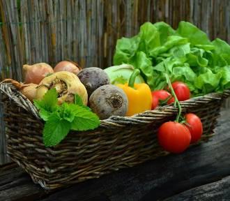 Targ organicznych warzyw w Żywej Kuchni. Okazja by zjeść smacznie i zdrowo