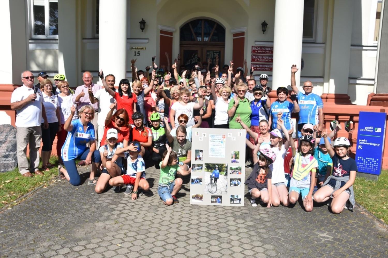 Rowerzyści wyruszyli w trasę w 15-osobowych grupach