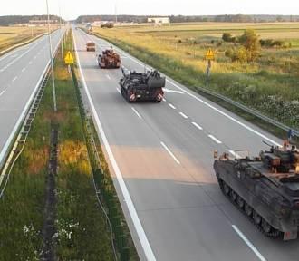 Niemieckie czołgi na autostradzie A4. Koniec ćwiczeń (ZDJĘCIA)