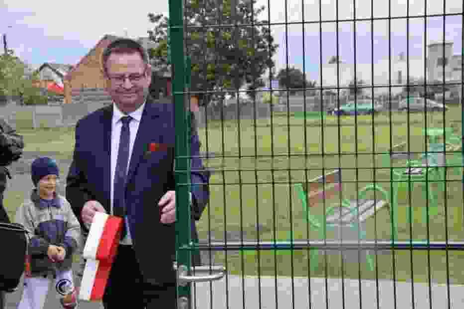 Otwarcie boiska w Dobrzycy