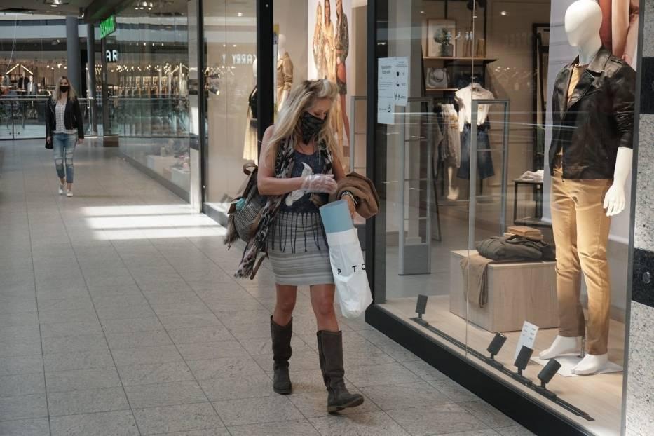 W poniedziałek ( 4 maja) znów otworzyły się sklepy w galeriach handlowych