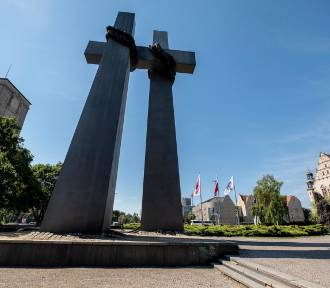 Co kryją podziemia poznańskiego pomnika? Oto, co znaleziono za tajemniczymi drzwiami