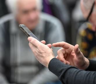 Opłata reprograficzna od smartfonów budzi sprzeciw. Trwa bój o pieniądze