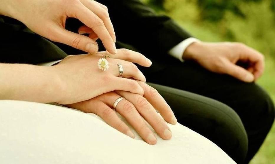Kiedy wrócą wesela i śluby? Rząd ustala szczegółyDo tej pory ceremonie ślubne mogły się odbywać, ale przy ograniczonej liczbie osób