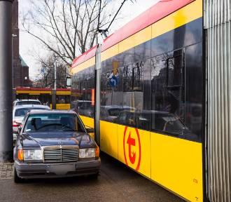 Mistrzowie Parkowania cz. 38. Za to parkowanie należy im się medal... a może mandat? [ZDJĘCIA]