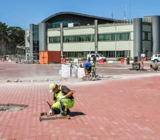 Budowa parkingu na bydgoskim lotnisku dobiega końca [zdjęcia]