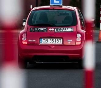 Nowy test na prawo jazdy kategorii B. Masz 10/10? [rozwiąż quiz]