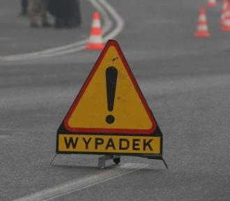 Wypadek na S86 w Katowicach. Tir wypadł z drogi. Roździeńskiego od Sosnowca w kierunku do centrum
