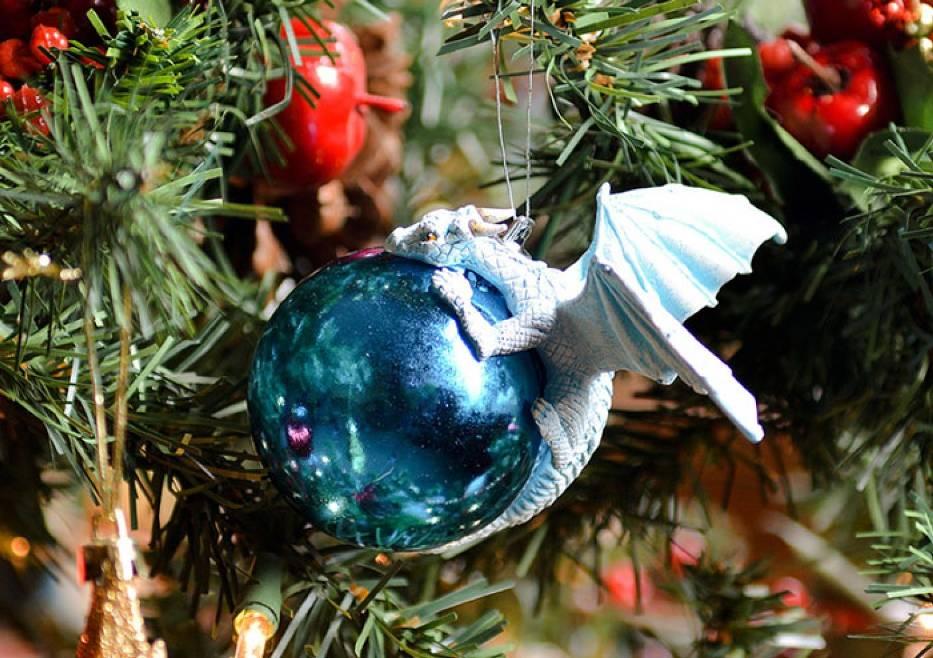 """Lubicie """"Grę o Tron""""? Oto świąteczne bombki specjalnie dla Was!"""