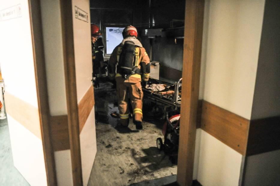 Pożar w szpitalu w Lesznie. Pijany pacjent podpalił salę
