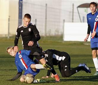 Centralna Liga Juniorów. Leicester też podziwia AKS SMS. Piękny gol po testach na Wyspach [ZDJĘCIA]