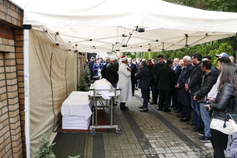 Śmierć w szkole w Warszawie. Trwa pogrzeb Kuby [ZDJĘCIA]. Uczniowie i bliscy 16.05.2019 żegnają zamordowanego 16-latka
