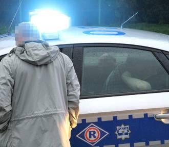 Mężczyzna onanizował się przed młodą kobietą w Poznaniu. Dostał mandat