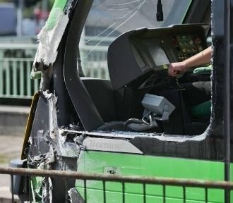Poznań: Na Śródce zderzyły się dwa tramwaje [ZDJĘCIA]