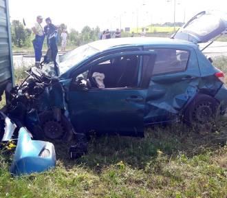 Pelplin: zderzyły się dwa samochody osobowe! Jeden pas obwodnicy zablokowany [ZDJĘCIA, AKTUALIZACJA]