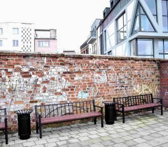 Zdewastowane mury miejskie w Malborku. Przyjrzy się temu wojewódzki konserwator zabytków