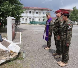 W Kosowie uczczono pamięć tragicznie zmarłego spadochroniarza z 25. Brygady Kawalerii Powietrznej