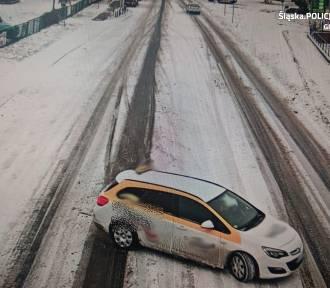 Gliwice: Samochód wpadł w poślizg. To mogło zakończyć się tragedią! Zobacz WIDEO
