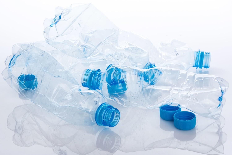 Odkręcaj butelki przed wyrzuceniem