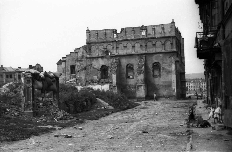 Ruiny Starej Synagogi w 1947 r