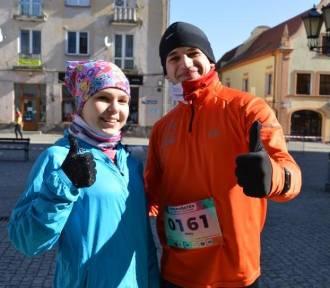 Mróz nie zniechęcił ponad 300 śmiałków, którzy wystartowali w I Półmaratonie Świebody i Sulecha