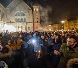"""W Poznaniu rozbłysło """"Światełko do nieba""""! [ZDJĘCIA]"""