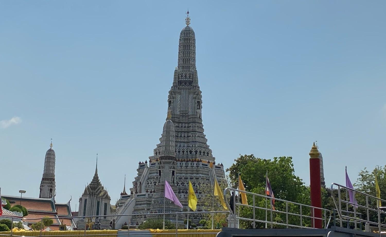 Świątynia Świtu Za największy symbol miasta uważana jest świątynia Wat Arun czyli Świątynia Świtu