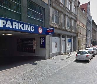 Przyjechałeś samochodem do Wrocławia? Zobacz, gdzie możesz zaparkować w centrum miasta [CENNIK]
