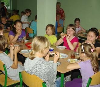 """POWIAT: Gminy przystąpiły do programu """"Posiłek w szkole i w domu"""""""