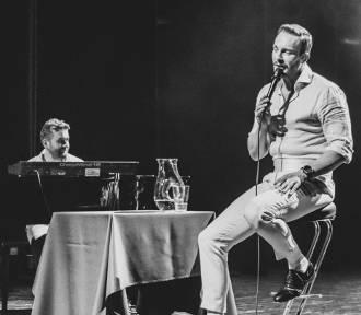 Sławek Uniatowki zaśpiewał w kwidzyńskim teatrze [ZDJĘCIA]