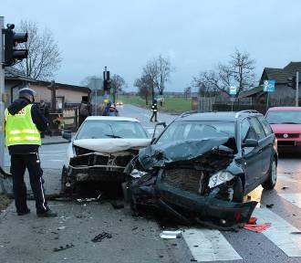 Wpadek w Parcicach. Czołowo zderzyły się dwa auta[FOTO]