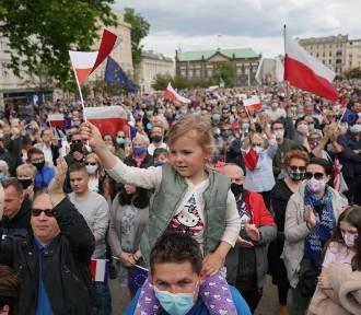 Rafał Trzaskowski w Poznaniu. Tłumy na placu Wolności!