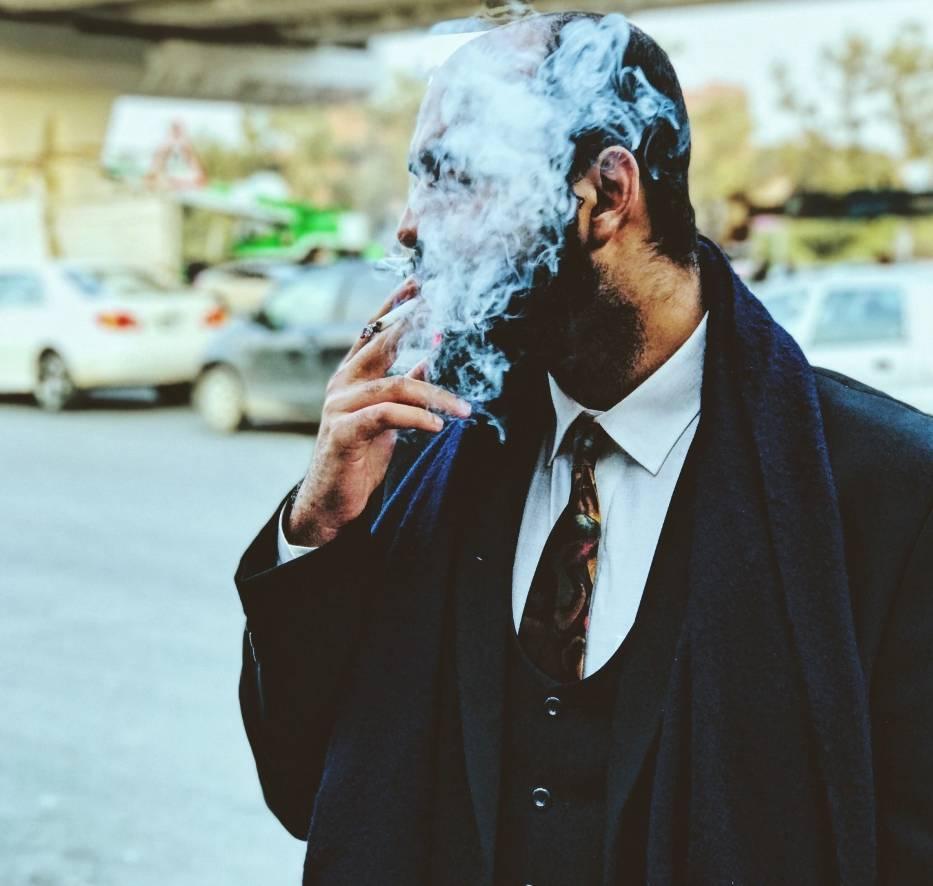 2. Unikaj sytuacji, które kojarzą Ci się z paleniem