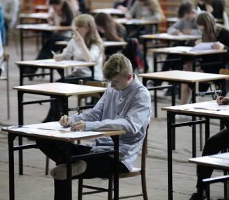 Egzamin gimnazjalny 2018: Polski - jakie będą pytania, tematy (Arkusz, Odpowiedzi)