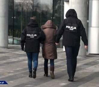 Wrocław. Policyjny nalot na agencje towarzyskie (ZOBACZ ZDJĘCIA)
